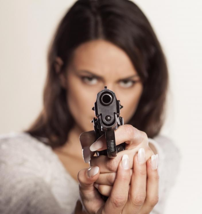 woman-pointing-pistol-1